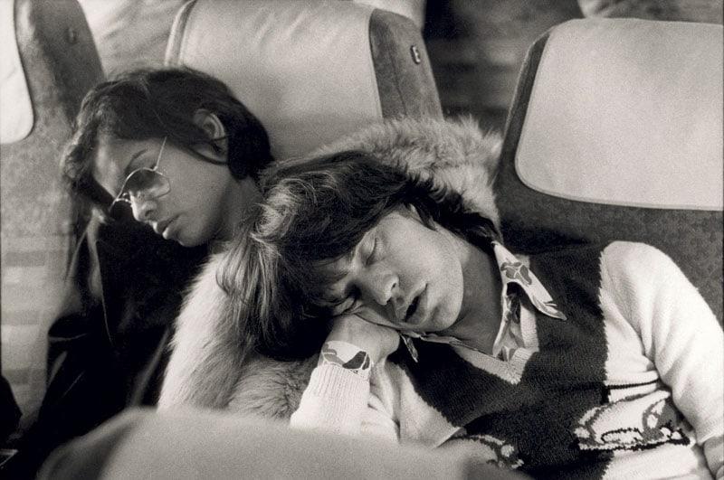 Mick Jagger e la moglie Bianca alla fine del tour europeo dei Rolling Stones (1973)