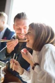 Come si mangia il sushi (davvero)
