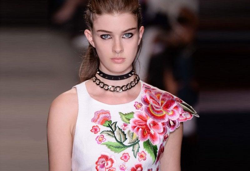 Beauty e moda: stampe floreali e trucco