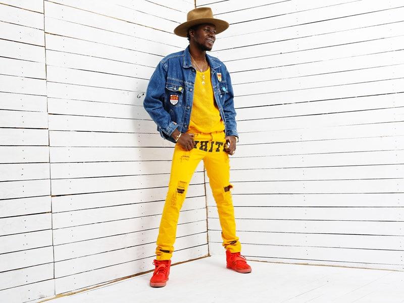 Il rapper Theophilus London con capi di Abloh
