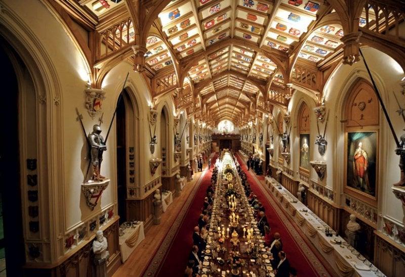 Una cena ufficiale di Elisabetta II, a Buckingham Palace
