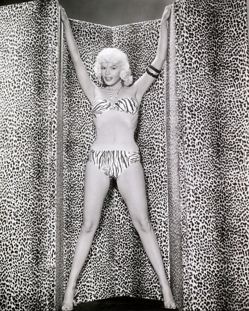 La mitica attrice Jayne Mansfield in bikini