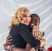 Madonna vince la battaglia per l'adozione di Mercy in Malawi