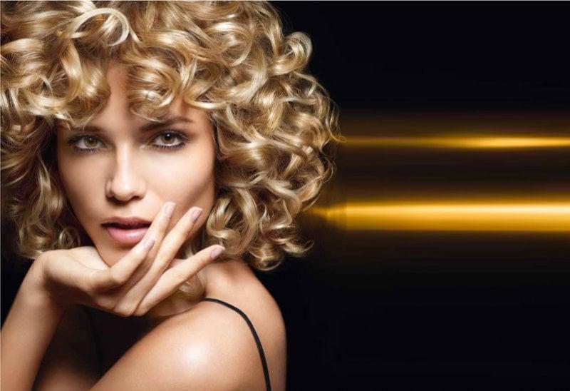 6 modi per asciugare i capelli al naturale