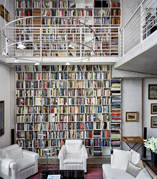 6 idee per arredare un soggiorno a doppia altezza
