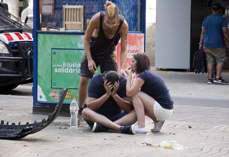 Barcellona: spiegate l'orrore a ragazzi e bambini