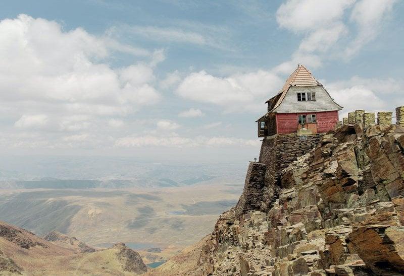 Il rifugio di Samuel Mendoza, in cima all'ex ghiacciaio Chacaltaya