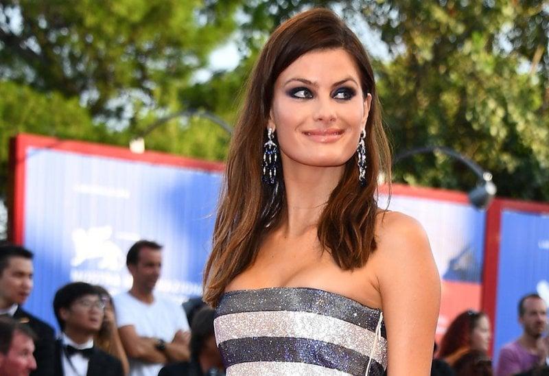La modella Isabeli Fontana