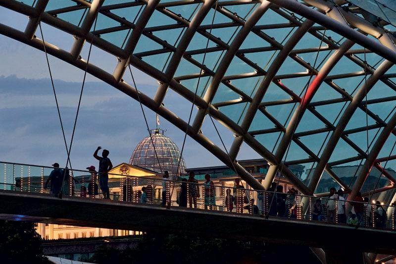 Il Ponte della Pace, a Tbilisi.