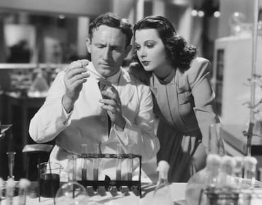 Nei panni di attrice, Hedy con Spencer Tracy in una scena del film