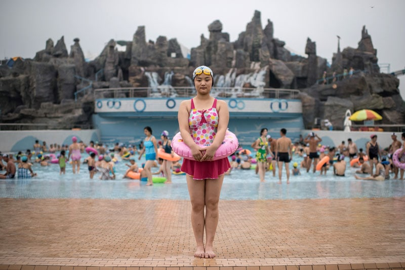 Una ragazza al Munsu Water Park a Pyongyang