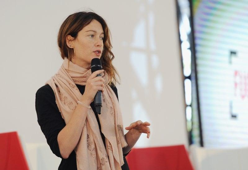 Cristiana Capotondi sul palco di Fuoricinema