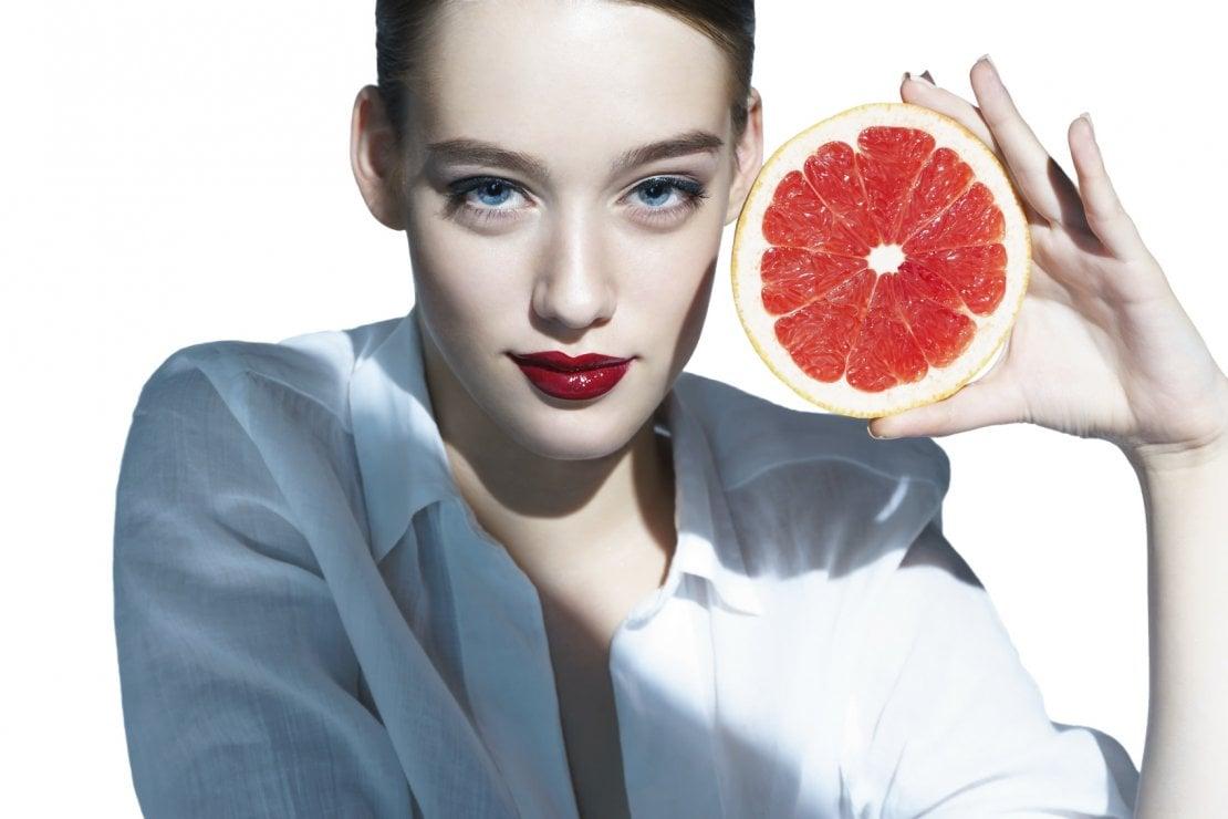 Vitamina C: perché fa bene alla pelle?