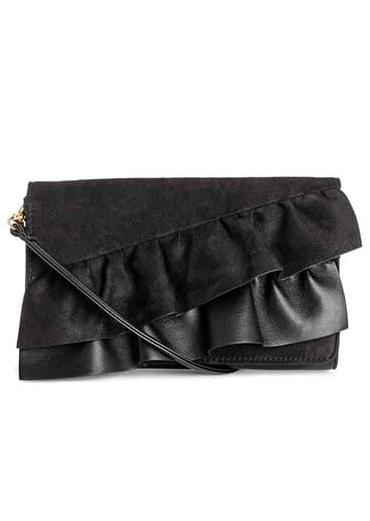 ef8dab2f95 Le maxi clutch, borse di grande tendenza - D - la Repubblica