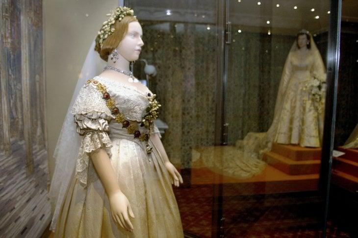 L'abito da sposa che la Regina Vittoria indossò nel 1840 in occasione delle nozze con Alberto di Sassonia