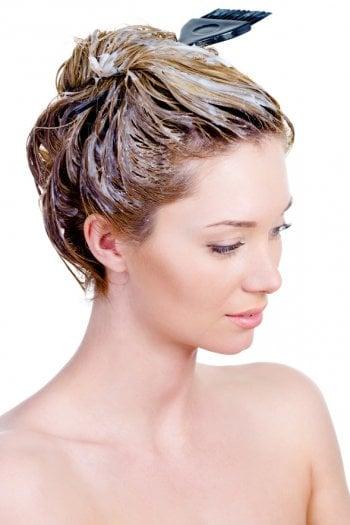 Le tinture per capelli possono provocare cancro al seno?