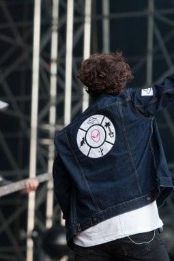 La giacca rivista dai Thegiornalisti sarà in vendita in esclusiva da Annex – La Rinascente