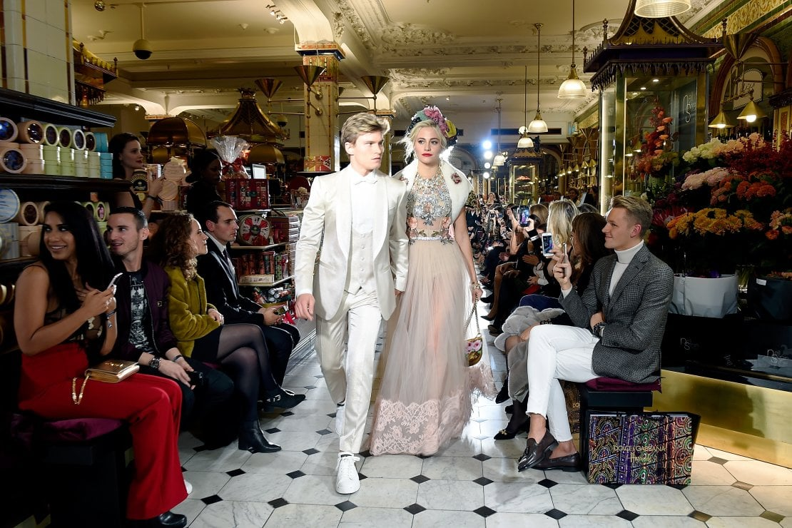 Un momento della sfilata di Dolce&Gabbana a Londra