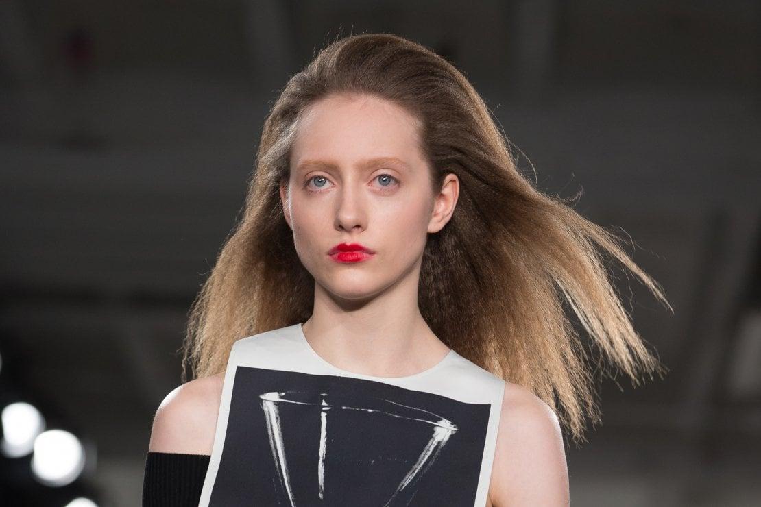 Crimped hair: torna il frisé con nuove forme