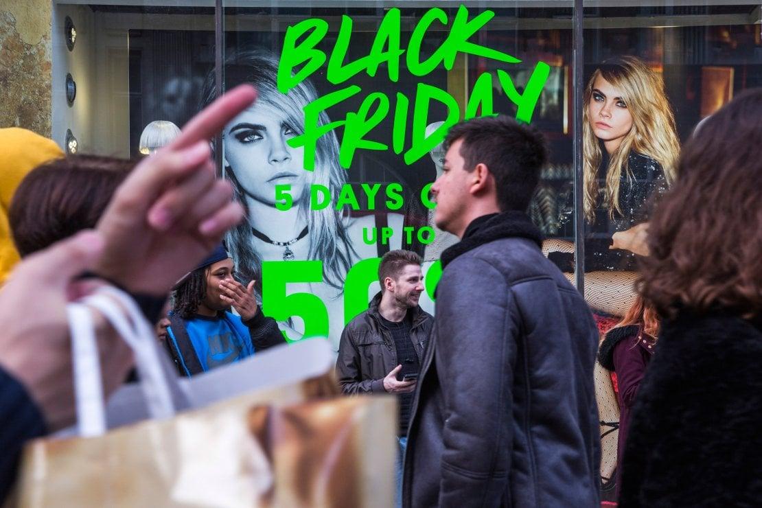 Cos'è il Black Friday? Storia e origini della giornata dello shopping