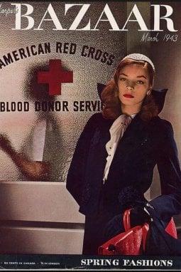 La cover di Haper's Bazaar del marzo 1943 con una giovane Lauren Bacall