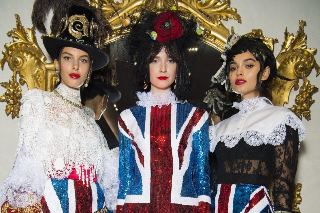 Il backstage della sfilata di Alte Sartorialità di Dolce&Gabbana a Londra