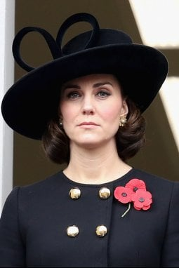 Kate Middleton sfoggia un faux bob