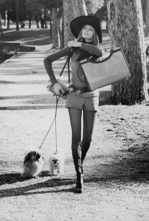 Tornano gli stivali anni '70: ieri e oggi, come portarli
