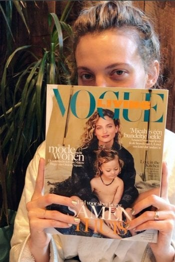 La modella Amanda Booth posa in copertina di Vogue con il figlio con la sindrome di Down