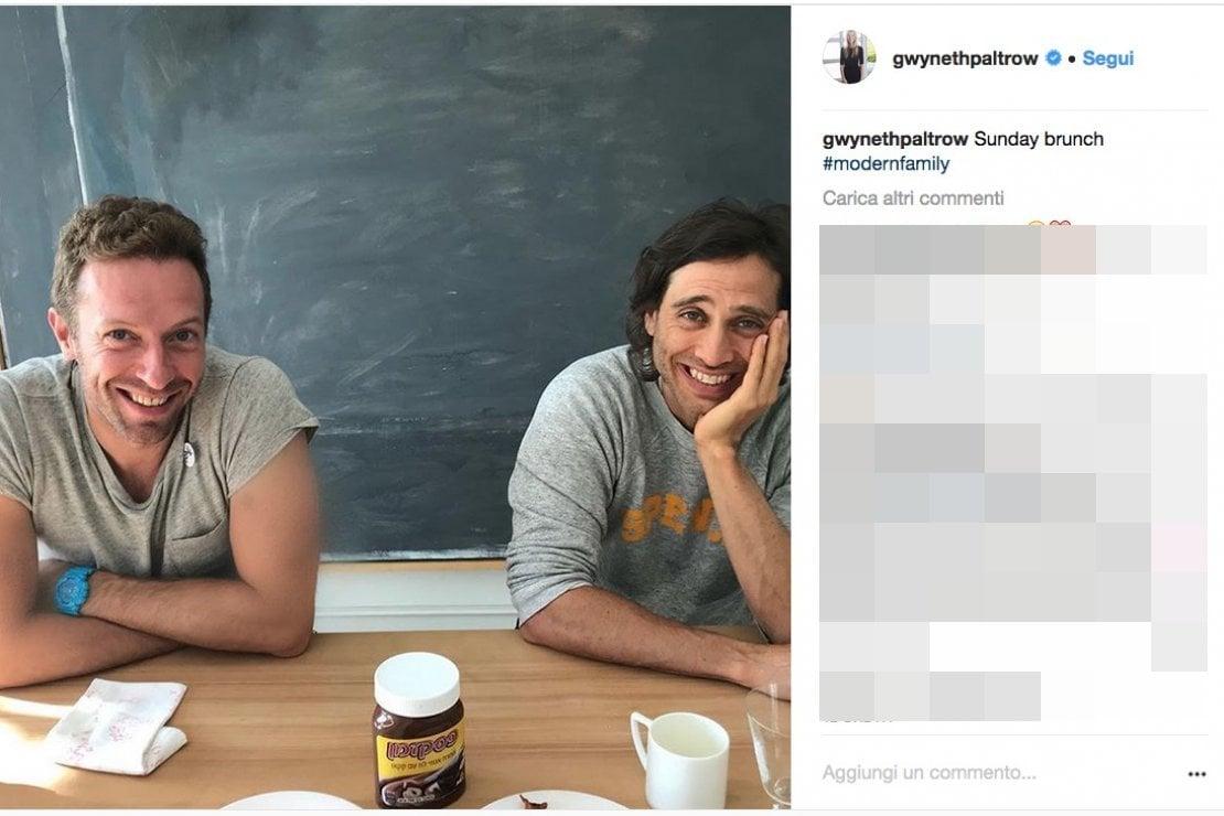 Il post di Gwyneth Paltrow su Instagram con l'hashtag modernfamily, mostra il suo ex marito, Chris Martin, che fa colazione con il suo attuale fidanzato Brad Falchuk