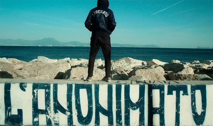 Liberato, napoletano senza volto, come Banksy, è su Spotify.