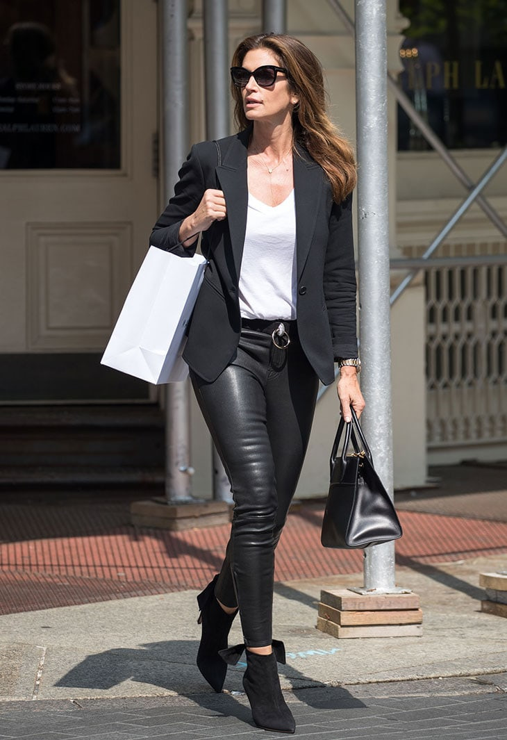 Cindy Crawford e lo shopping in solitaria