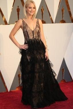 Jennifer Lawrence in Dior agli Oscar 2016