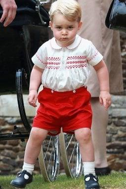Per Baby George non vale il discorso sui regali simbolici. Il rischio è di vederlo con questa smorfia...