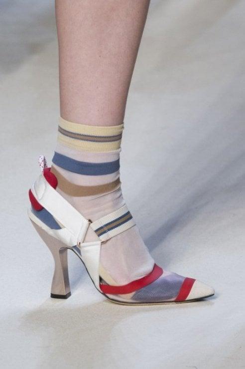 Che scarpe compro in primavera?  Colorate e con il tacco alto
