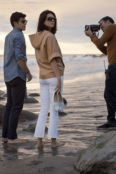 Roberto Bolle e Kendall Jenner in spiaggia a Malibu: 3 video per raccontare il Made in Italy