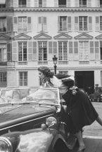 La gonna midi: da Grace Kelly a Chanel e Gucci. Un mito eterno che corre verso al futuro