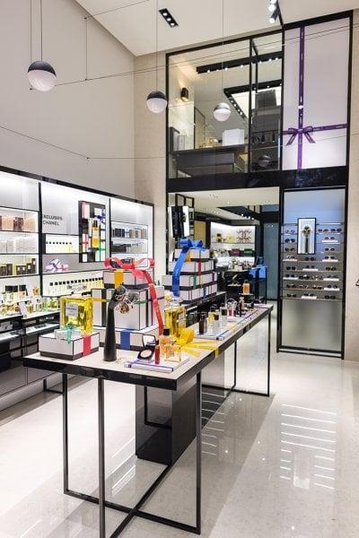 Apre a Milano la prima boutique beauté Chanel