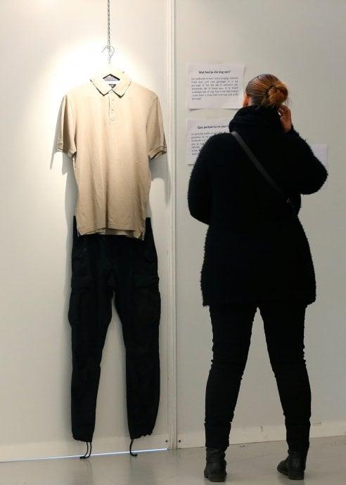 L'abito non giustifica uno stupro: arriva la mostra coi vestiti delle vittime di violenze sessuali