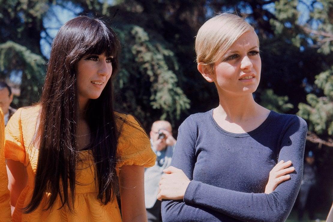 La cantante Cher e la modella Twiggy