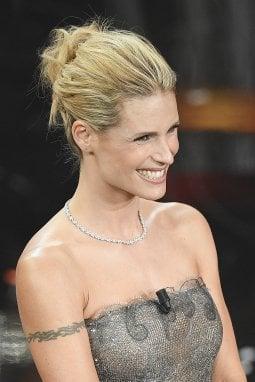 """Tutti i segreti delle acconciature di Michelle Hunziker a Sanremo. """"Tanta naturalezza e un raccolto per la finale"""""""