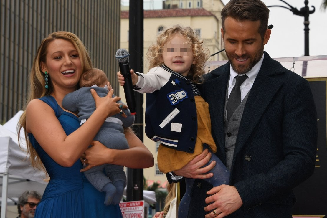 Blake Lively e Ryan Reynolds con le figlie James ed Ines