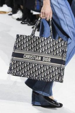 Un dettaglio dalla sfilata di Dior Primavera Estate 2018