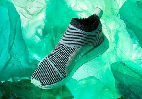 Il successo delle sneakers prodotte con i rifiuti degli oceani: un milione di pezzi venduti in meno di un anno