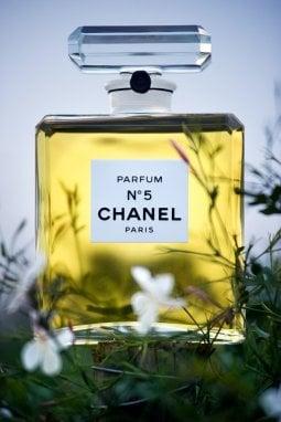Quanti fiori si trovano in un flacone di Chanel N.5?