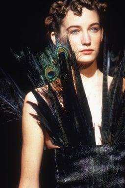 Un dettaglio dalla collezione di Romeo Gigli del 1992