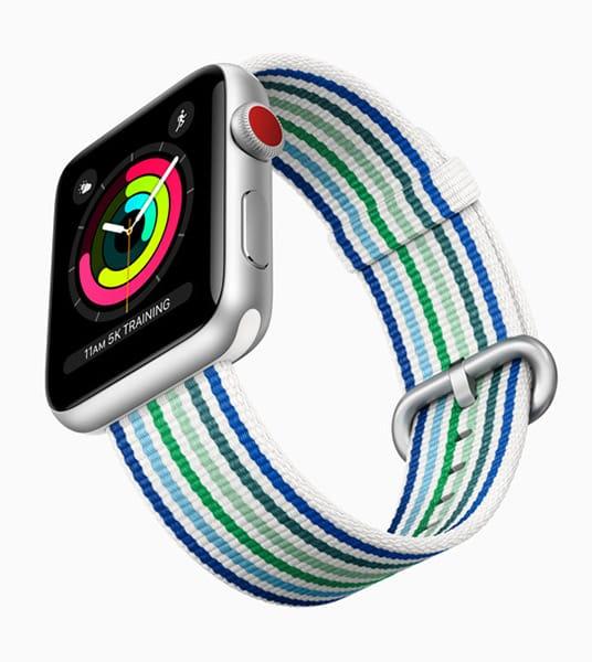 Smartwatch con cinturino millerighe, Apple