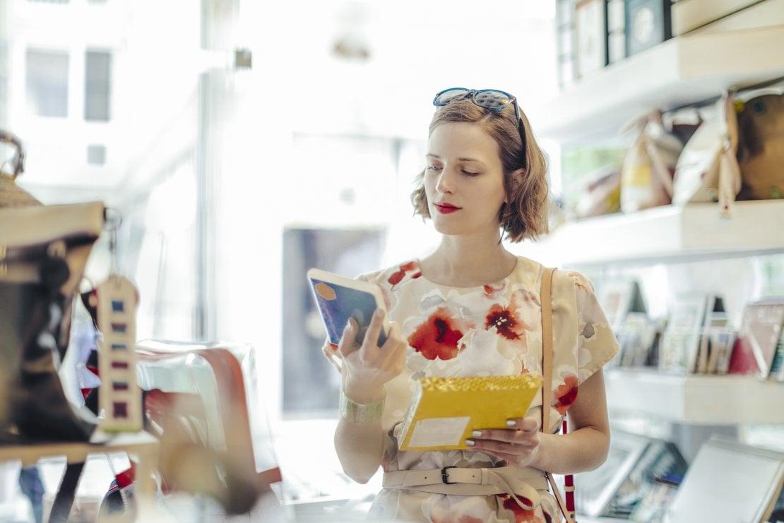 Basta sensi di colpa: lo shopping è terapeutico. Riduce lo stress, migliora l'autostima e fa dimagrire