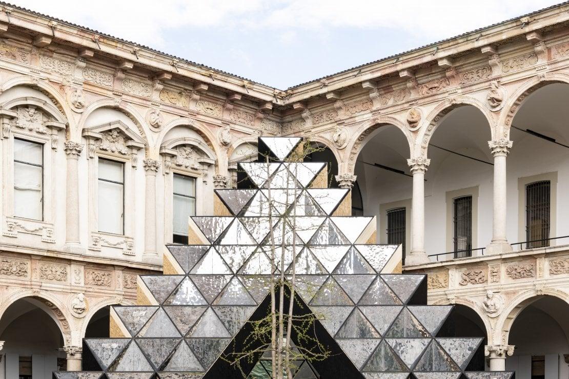 Visionair, il progetto di Labics realizzato da Elica e dalla Fondazione Ermanno Casoli, che porta il visitatore in una dimensione surreale e capovolta della realtà