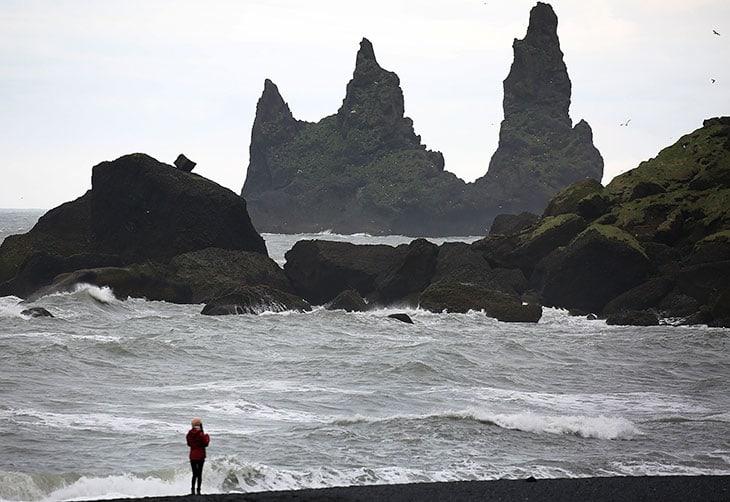 La Spiaggia di eynisfjara, in Islanda.